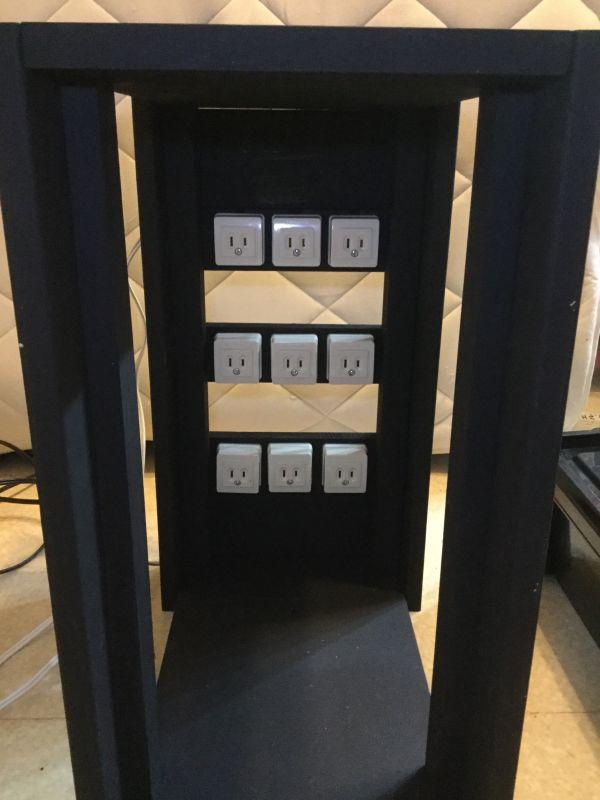 電源ラックに取り付けた電源タップ