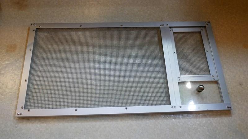 スライド式ドアを自作した水槽蓋